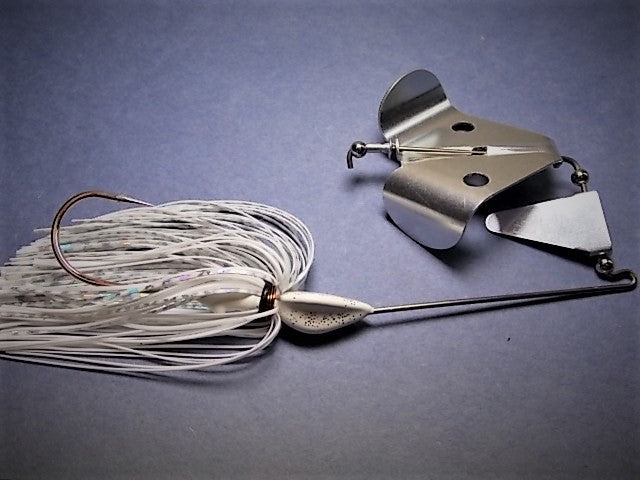 Buzz Baits Tourmnament Line: White / Chrome