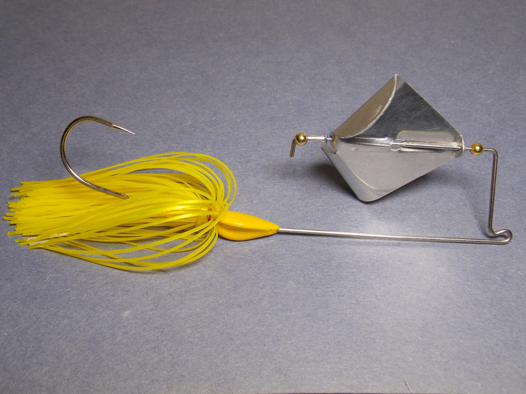 Buzz Bait: Metallic Yellow