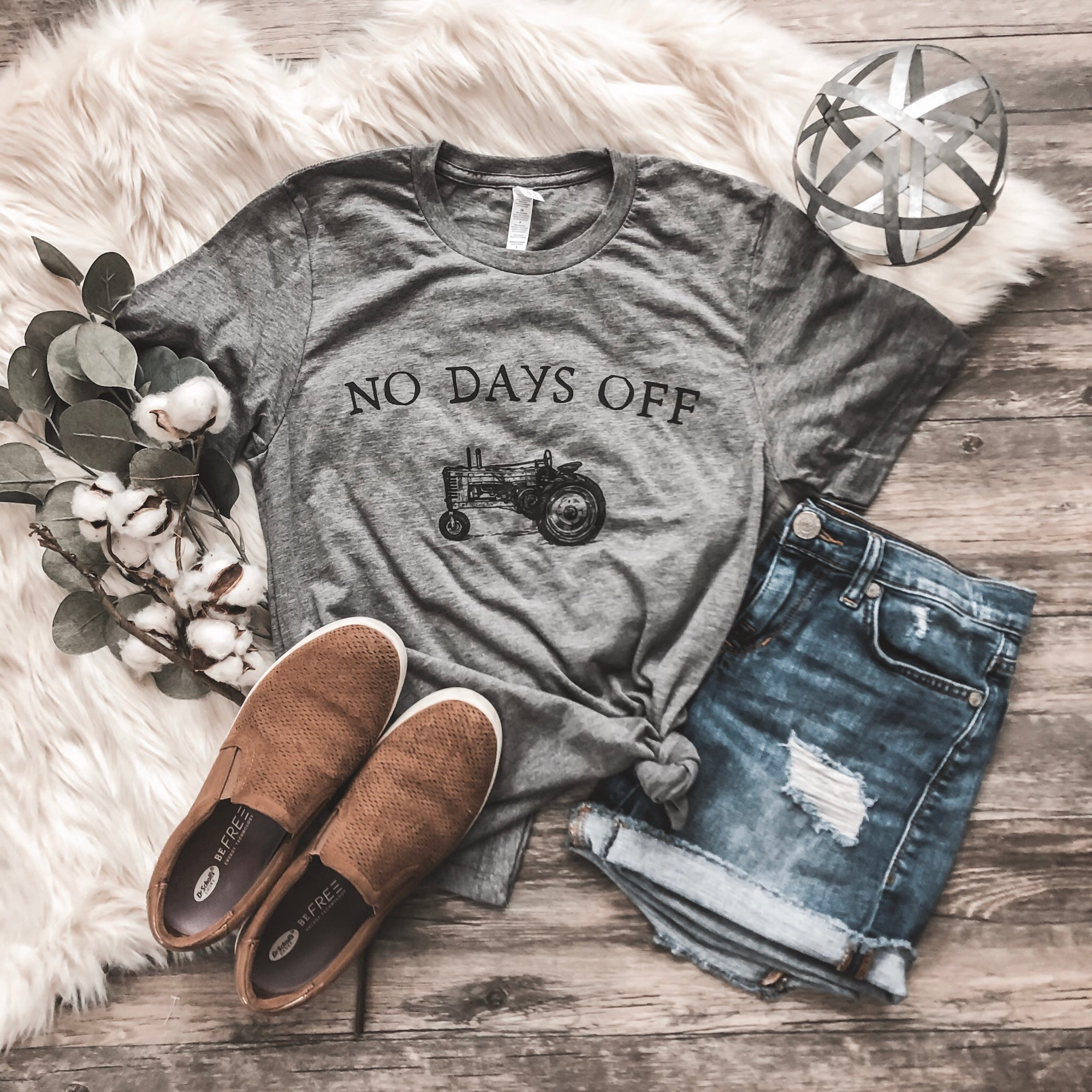"""No Days Off""  Graphic Tee in Gray - Rosebud's Tees"