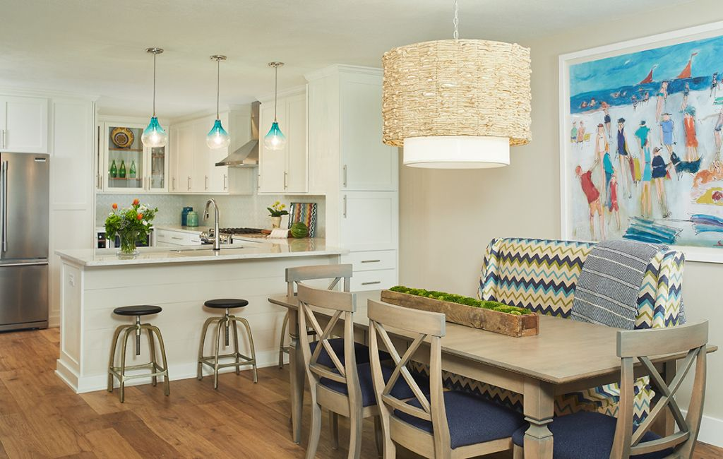 Modern, Casual Beach House Designs by Bayberry Cottage