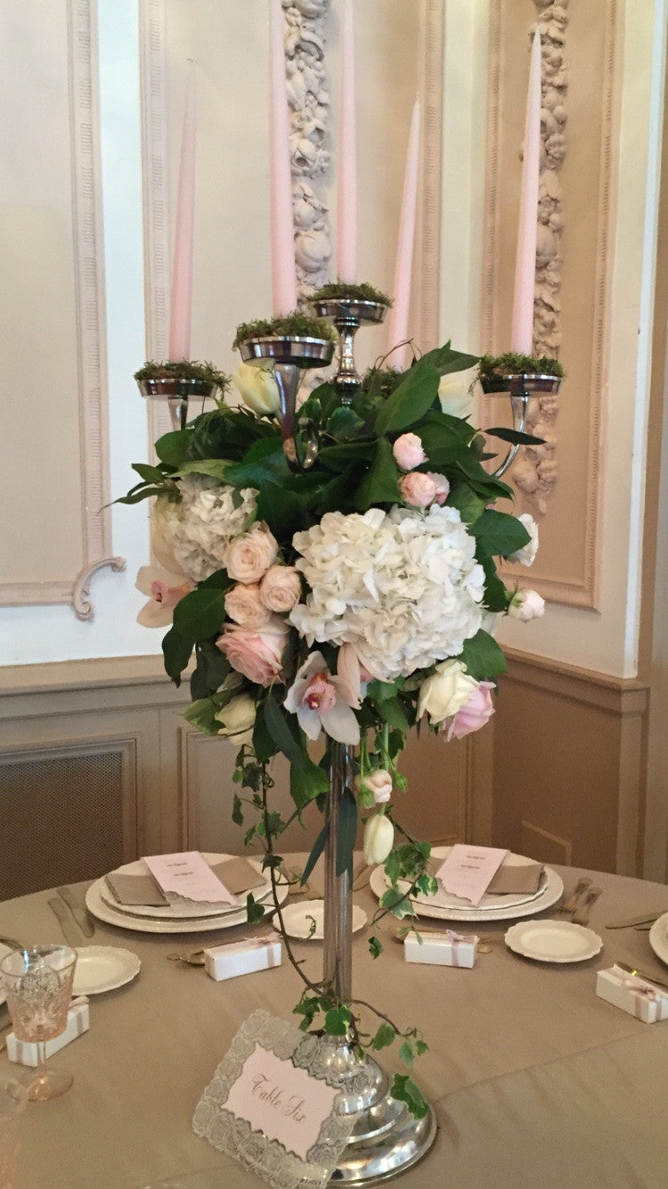 Candelabra arrangement 103