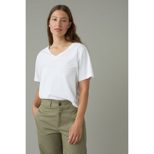Closed Organic Cotton Tee Shirt in White C95153-44E-22