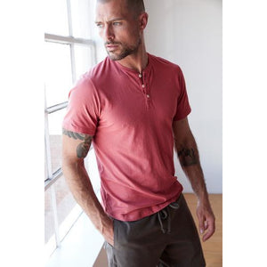 "A classic 3-button henley tee made from soft lightweight cotton jersey, perfect for layering up or flying solo.  model is 6' 1 1/2"" fulton01 made in USA machine wash 100% cotton cotton jersey light 3-button half placket"