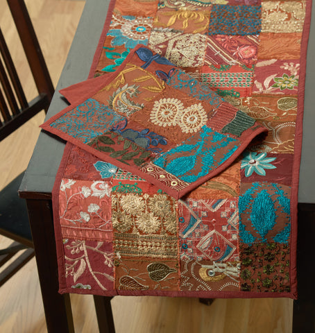 LR Resources TABLE LINENS 18001 Maroon