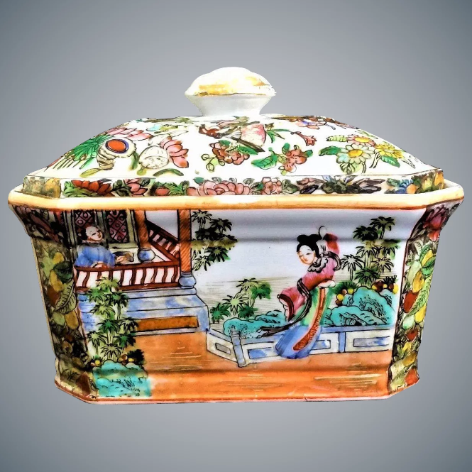 Antique Chinoiserie famille Rose Porcelain Jewelry Box Casket (1850-1899) - PILGRIM NEW YORK