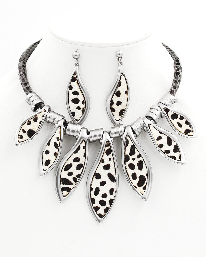 Exotic Print Statement Necklace Set