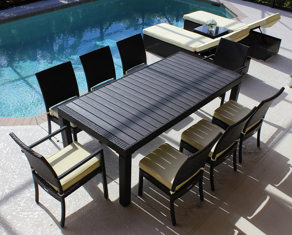 Modern outdoor dining set in brown wicker beige