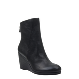 Amavi black bootie in black