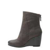 Amavi womens boot dust grey left