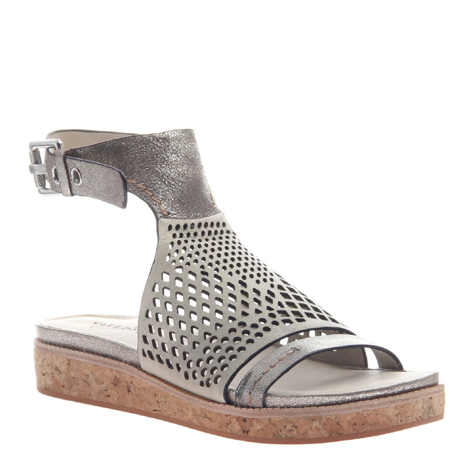 ARIES in GREY SILVER Flat Sandals
