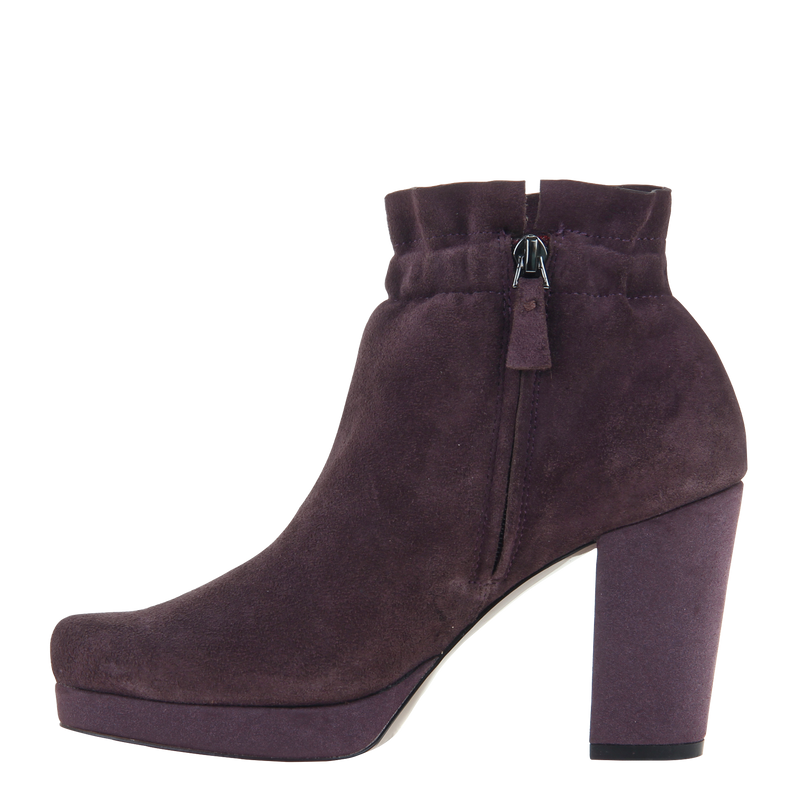 Womans heeled bootie attis in chianti left