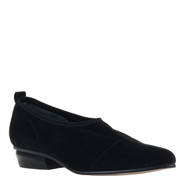 CALDI in BLACK Closed Toe Pumps
