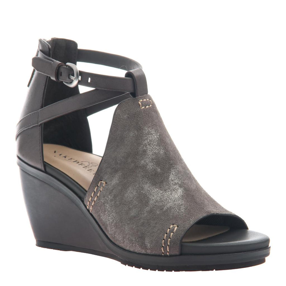 2295ad4be84 Crux in Dirty Grey Wedge Sandals