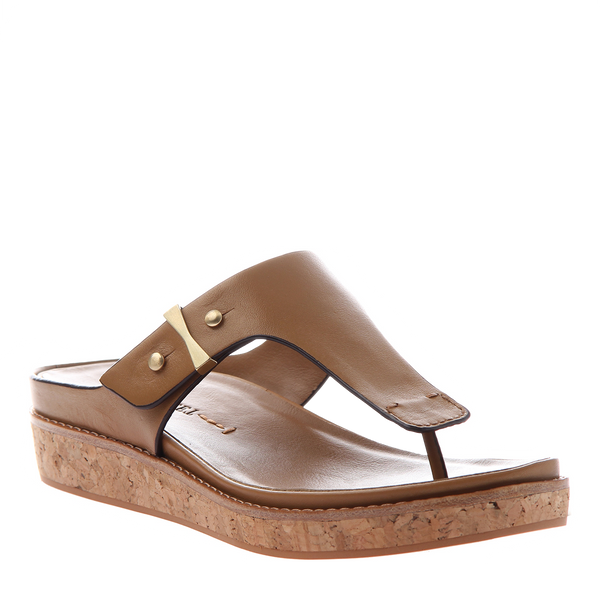 HADIDD in TOFFEE Flat Sandals