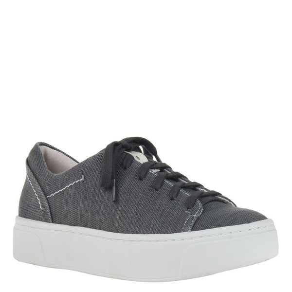 HELIO in CHARCOAL Sneakers