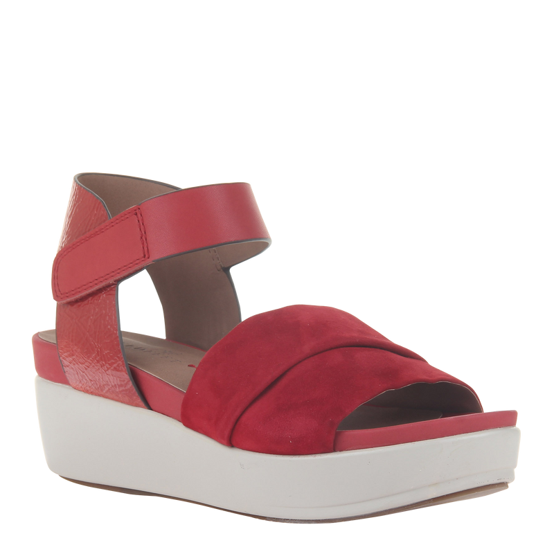 Womens sandal in koda in deep red