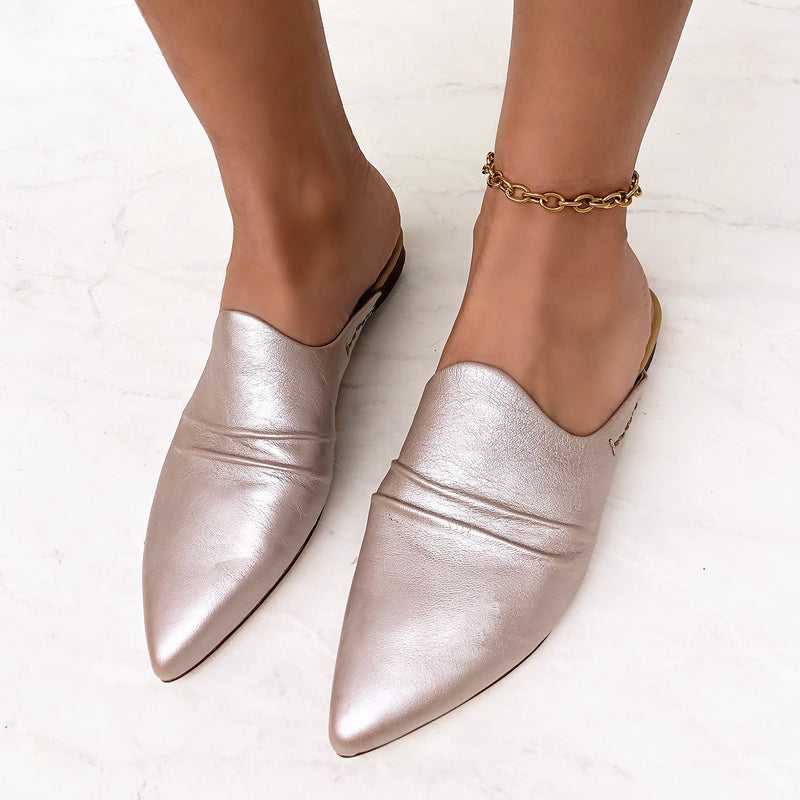 VERSUS in NEW SILVER Mules