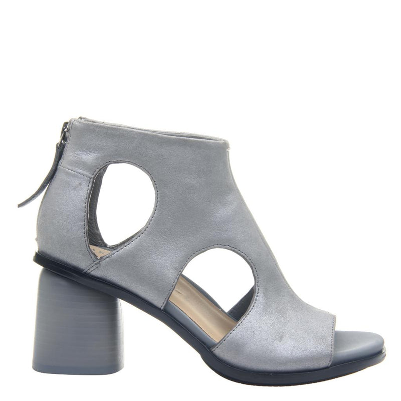 TORIL in ASH GREY, right view