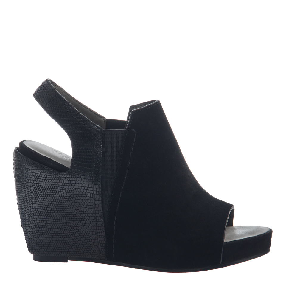 Columba women's wedge sandals in black side view