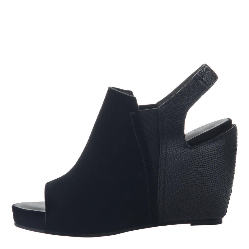 Columba women's wedge sandals in black inside view