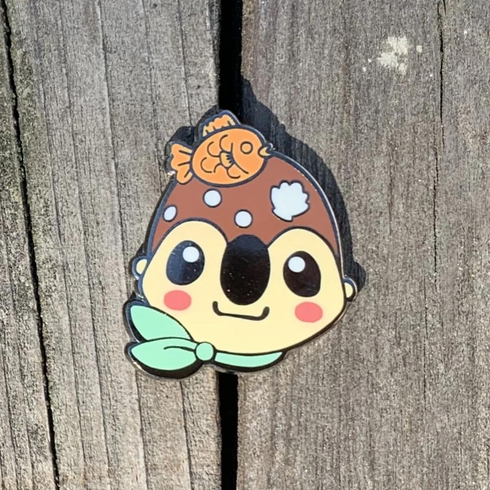Eclair Face Enamel Pin