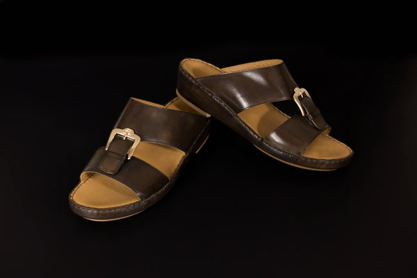 sandals. www.justso.style