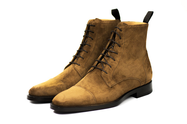 Lace up boot. www.justsostyle.net