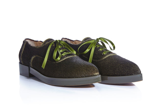 luxurious oxford, made of exotic calf hair and patent leather. www.justsostyle.com