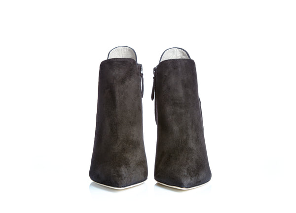 luxury boots, it's comfort your foots, and item of individual decoration and fashion. www.justsostyle.net