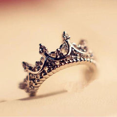 Retro Crystal Drill Hollow Crown Shaped Ring