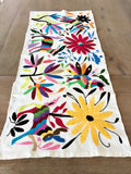 Otomi table topper