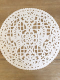 Tissue doilies- white placemats