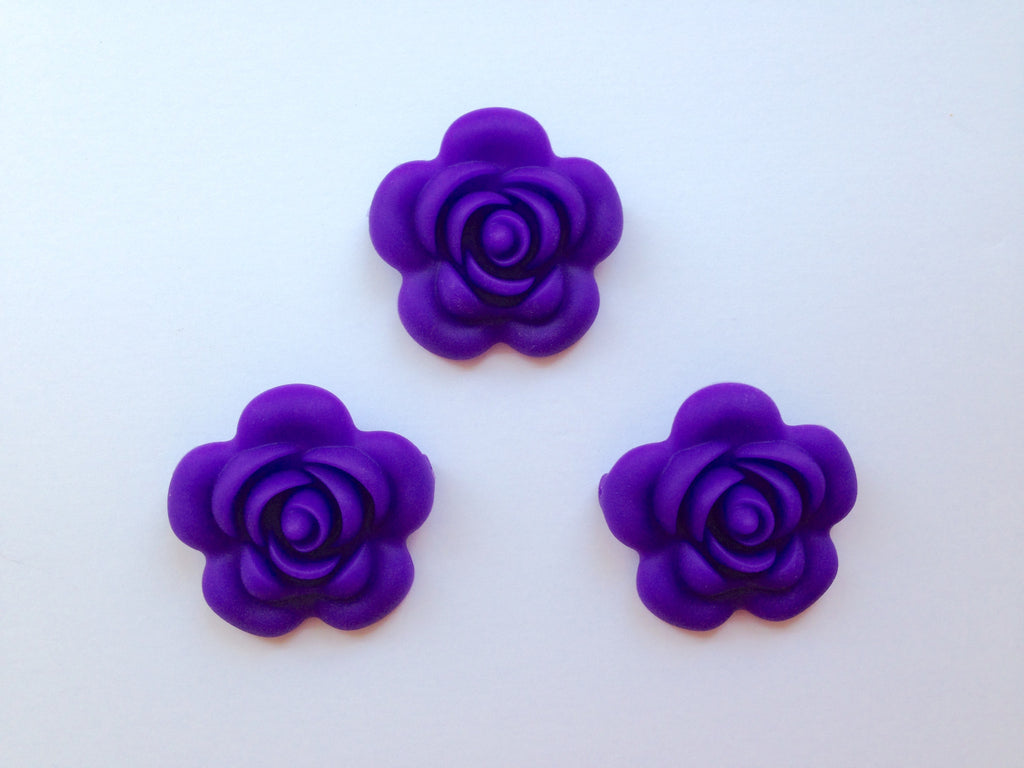 40mm Purple Passion Silicone Flower Bead