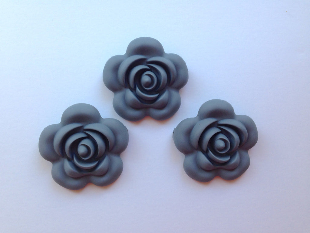 40mm Gray Silicone Flower Bead