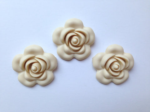 40mm Beige Silicone Flower Bead