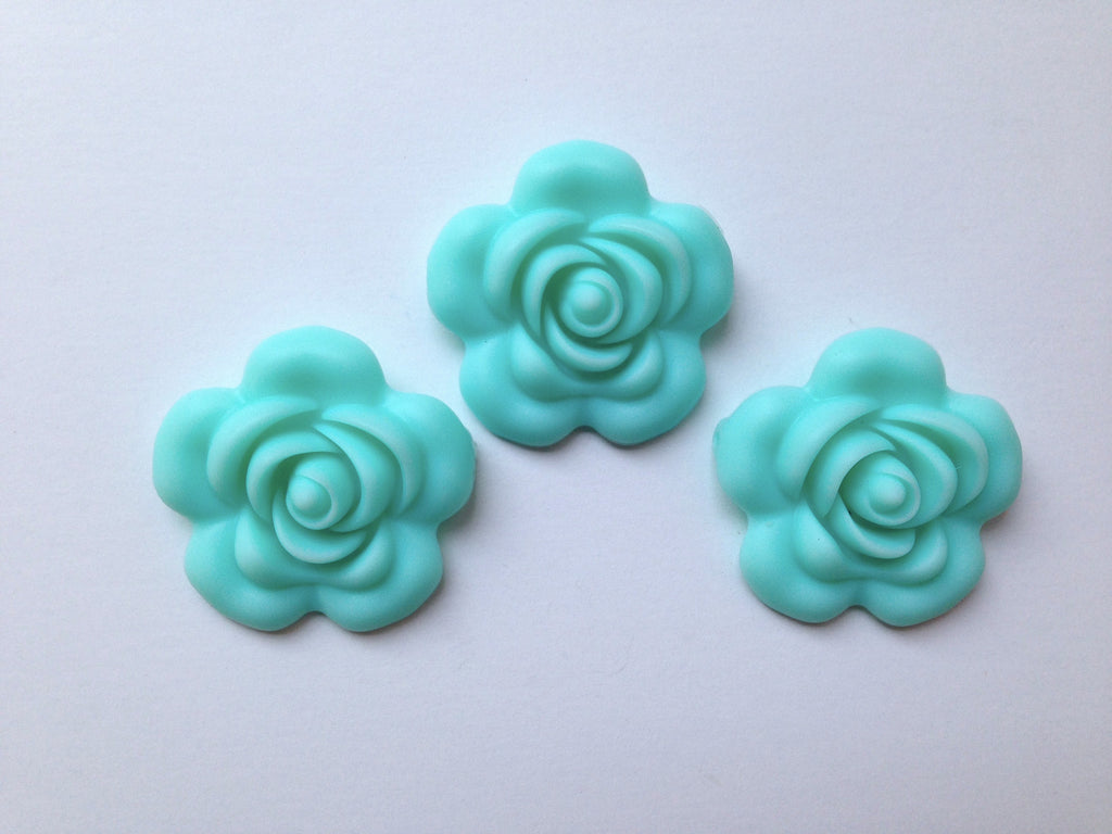40mm Aqua Silicone Flower Bead
