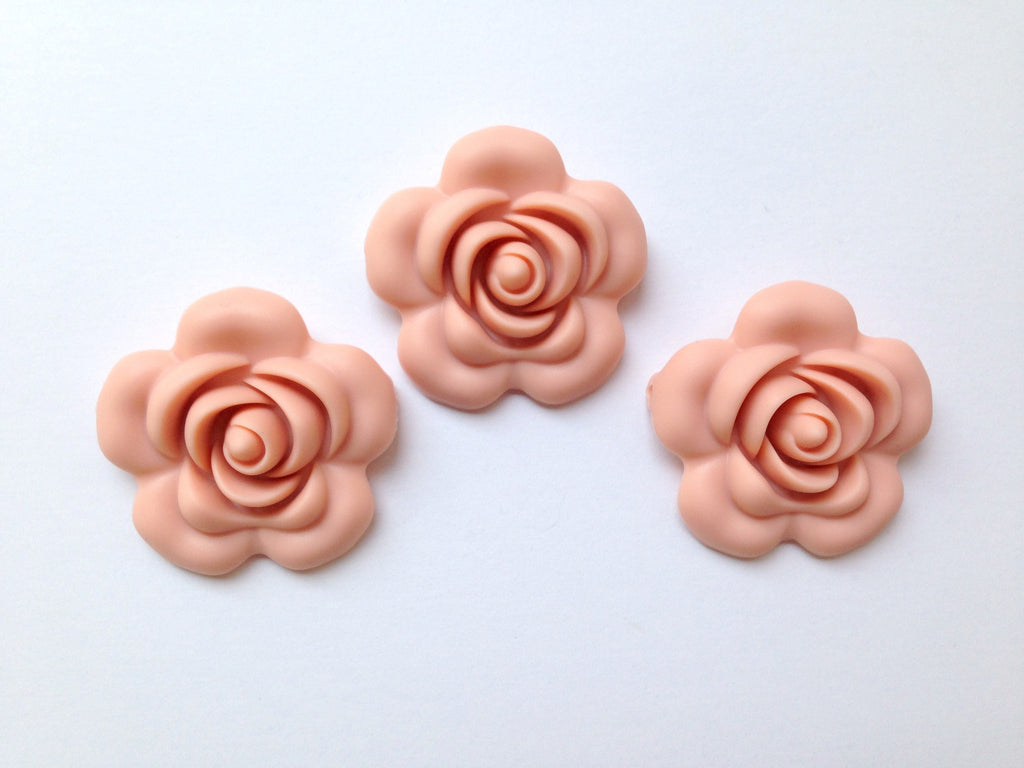 40mm Peach Silicone Flower Bead