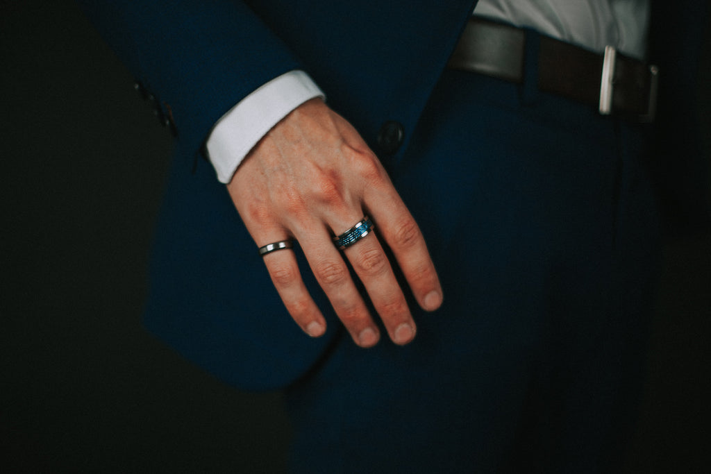 Man wearing right size of ring