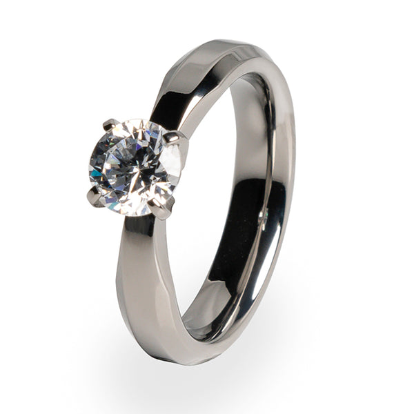 Traditional Titanium ring for women with Diamond