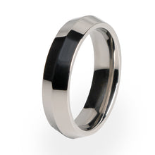 A beautiful traditional design on a Titanium ring.  Perfect titanium wedding ring or for any special occasion.