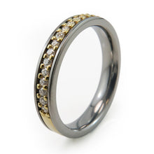 Womens eternity ring set in 14k gold and Titanium with 21 beautiful diamonds