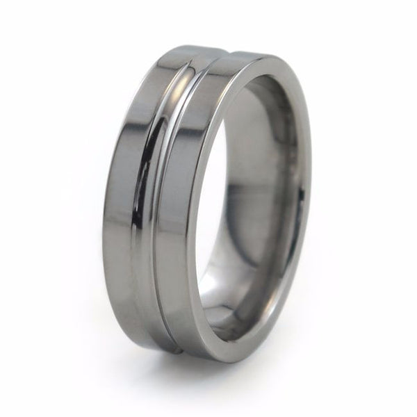 Classic flat profile titanium band with comfort fit