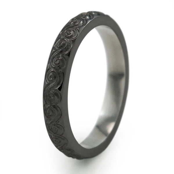 Titanium Ring with delicate carving gives the ring a vintage appeal.