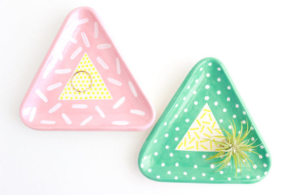 Double Patterned Triangle Ring Dish