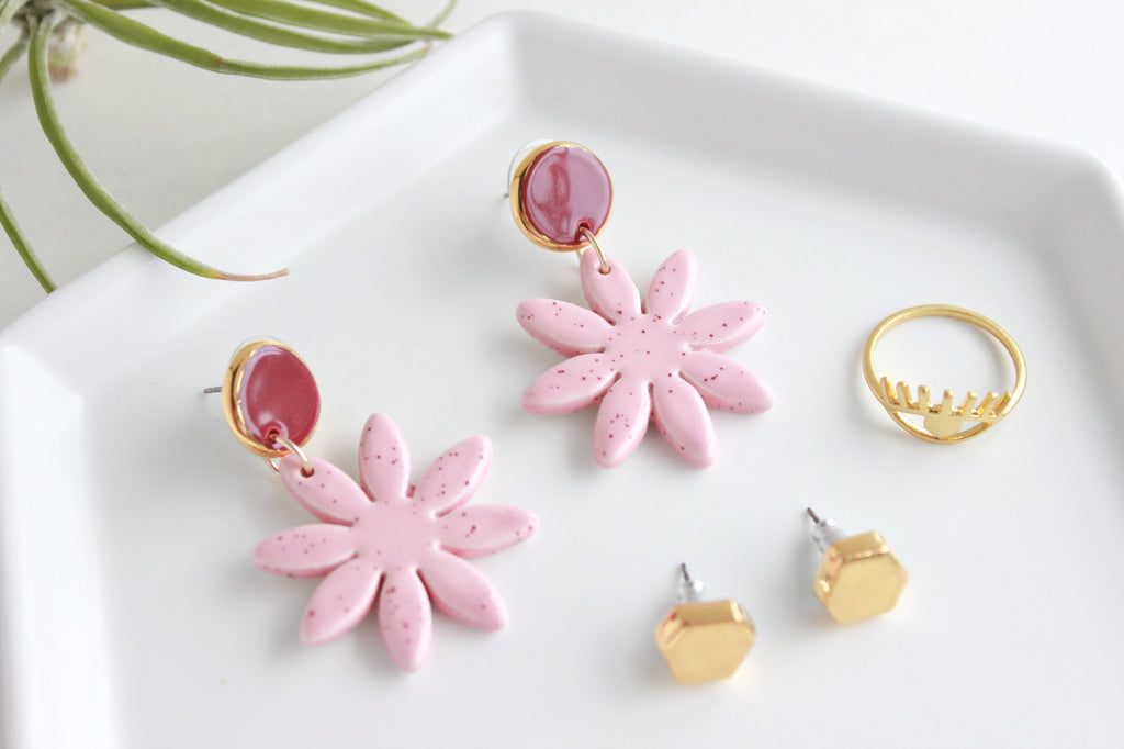 NEW! Pink Speckle Daisy Statement Earrings / Flower Collection