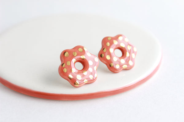 Cutout Flower Stud Earrings / Flower Collection
