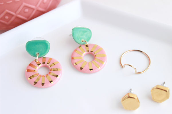 NEW! Jade/Peach Sunburst Cutout Statement Earrings