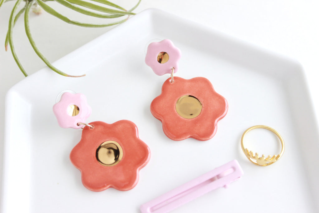 NEW! Gold Center Flower Statement Earrings / Flower Collection