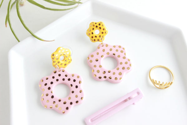 NEW! Gold Dot Cutout Flower Statement Earrings / Flower Collection
