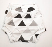 Monochrome Triangle Shortie